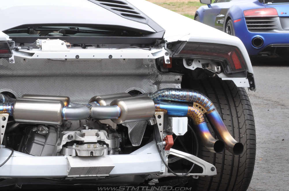 Rochester, NY Custom Fabrication & Builds Lamborghini Huracan Titanium Exhaust